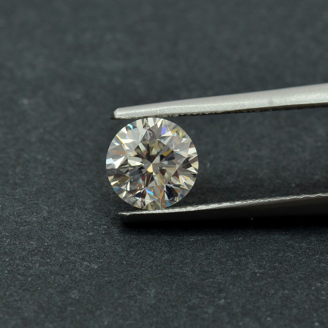 Colorless Diamond, Round, F, 1.04 Carat