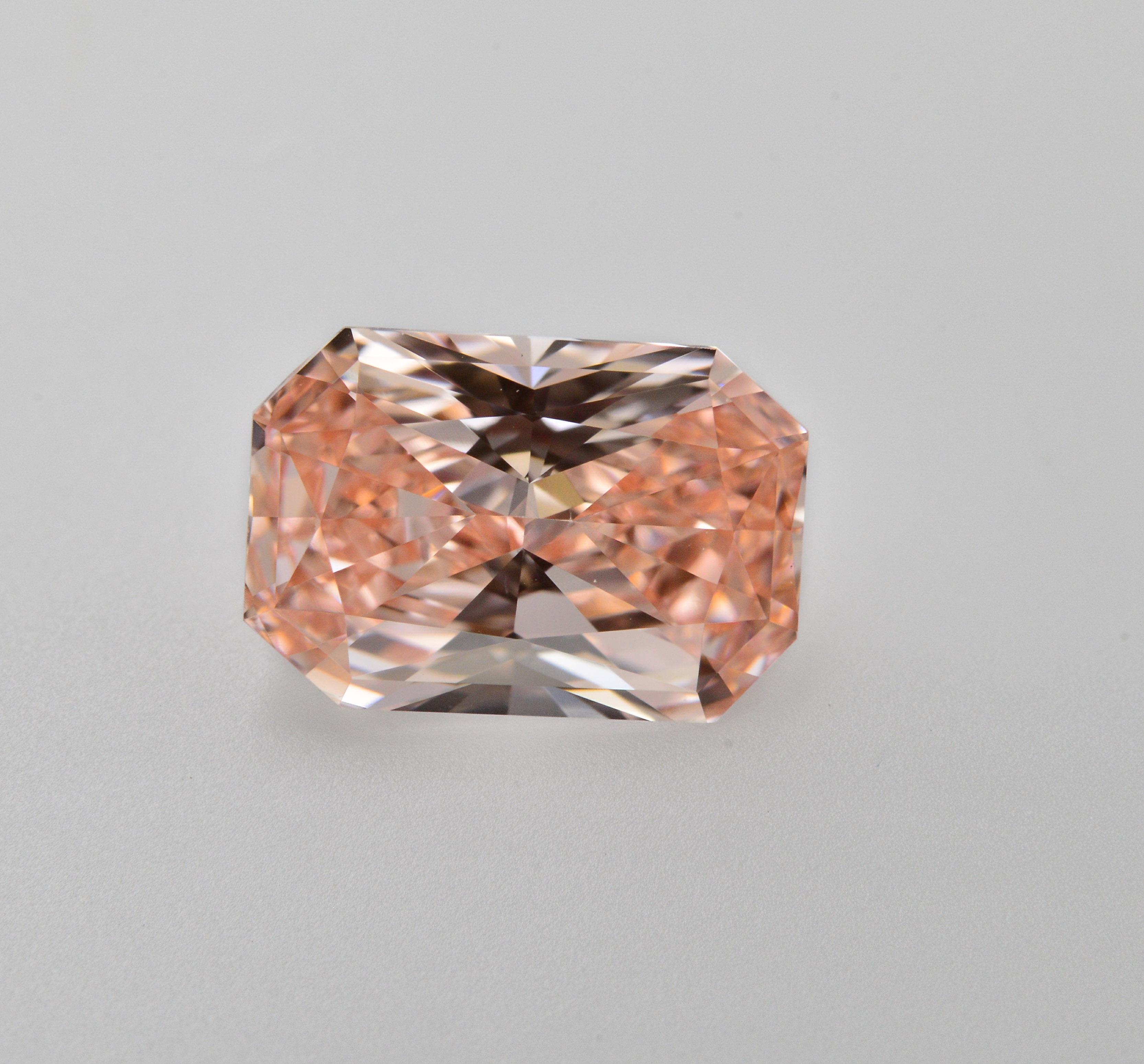 Pink Diamond, Radiant, Fancy Vivid Orangy Pink, 1.04 Carat